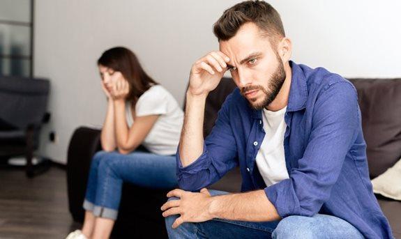 a nők mérlegezik a péniszt