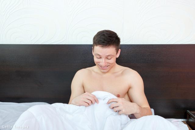 reggeli erekciós fotók pénisz áll, de nem teljesen