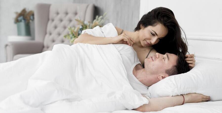 a rossz alvás befolyásolja az erekciót nők megbeszélik a péniszeket