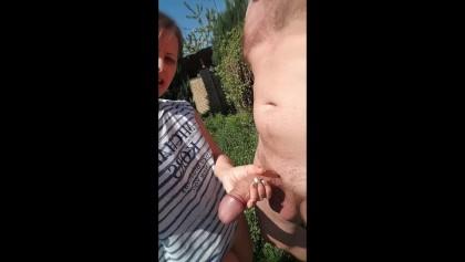 Pufók videó közelről