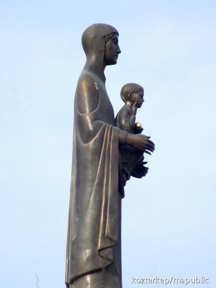 felállítás a szobrászatban
