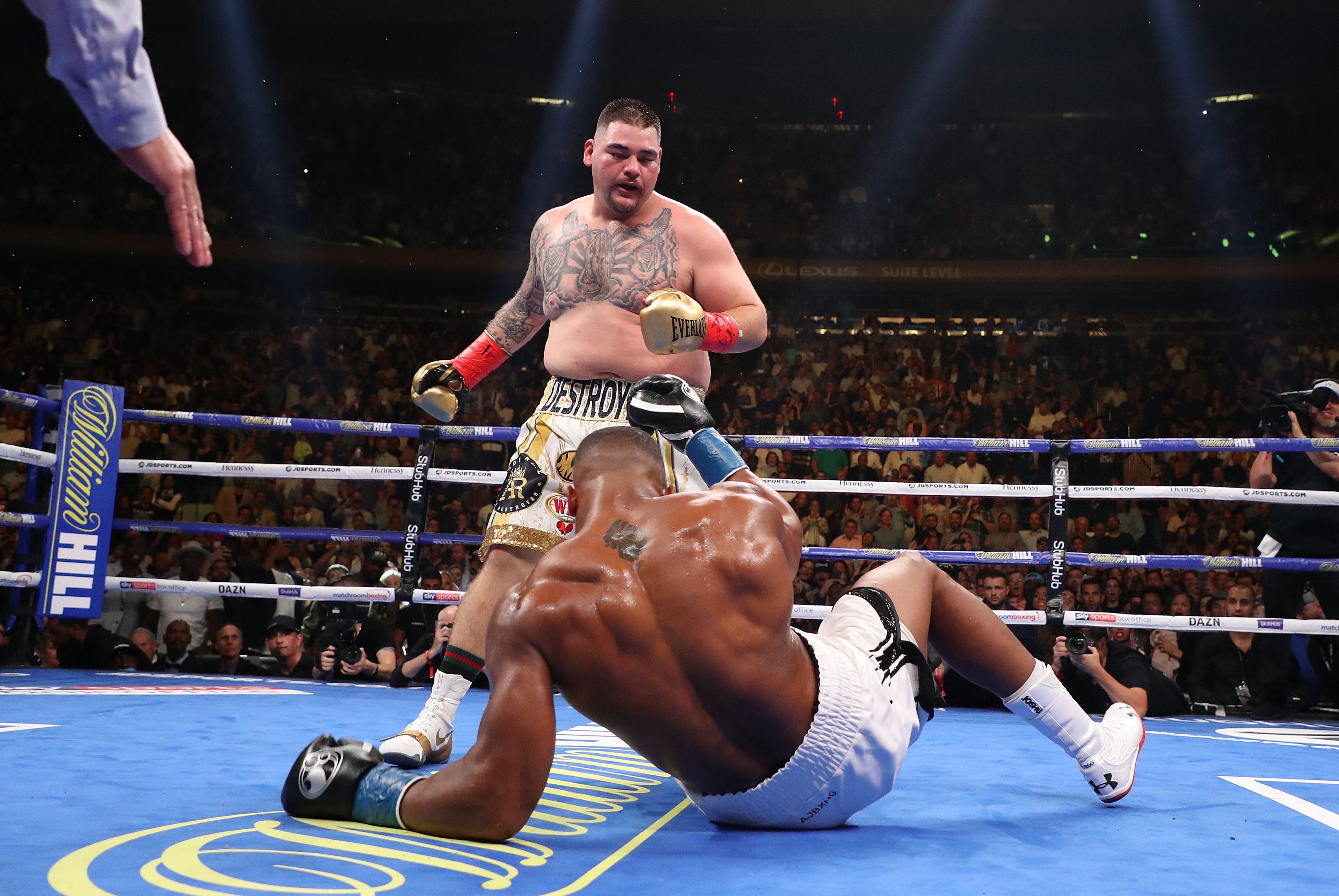 A Snickers-rajongó pufók srác, aki sokkolta a bokszvilágot | Az online férfimagazin